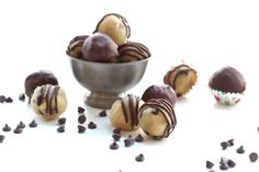 Chocolate Chip Cookie Dough Bites | Recipes | Swerve Low Carb Candy, Low Carb Sweets, Healthy Sweets, Low Carb Desserts, Keto Chocolate Chip Cookies, Sugar Free Chocolate Chips, Keto Cookies, Chocolate Chocolate, Chocolate Recipes