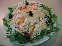 Insalata di surimi, con grana, olive e rucola – Oggi si mangia