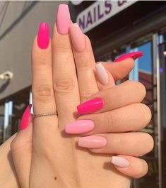 In seek out some nail designs and ideas for your nails? Here is our set of must-try coffin acrylic nails for stylish women. Acrylic Nails Coffin Short, Simple Acrylic Nails, Pink Acrylic Nails, Glitter Nails, Acrylic Art, Acrylic Nail Designs For Summer, Pink Nail Designs, Pastel Nails, Cute Pink Nails