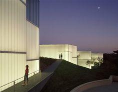 Bendheim channel glass - Nelson Atkins Museum of Art by Steven Holl