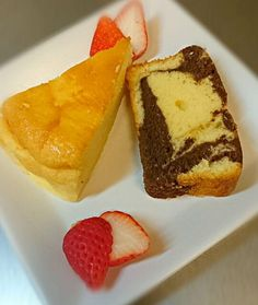 本日のデザート(*´ω`*) - 21件のもぐもぐ - ケーキ2種盛☆チーズケーキ&パウンドケーキ by 2038green