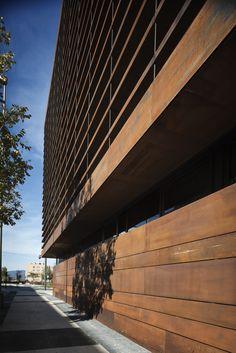 Galeria - Edifício de escritórios em Vitoria / LH14 Arquitectos - 12