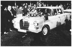 W110 #Mercedes-Benz, Heckflosse #Pkw nach 1945 #oldtimer #youngtimer http://www.oldtimer.net/bildergalerie/mercedes-benz-pkw-nach-1945/heckflosse/127-01a-0134.html