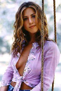 Jennifer Aniston cleavage oops