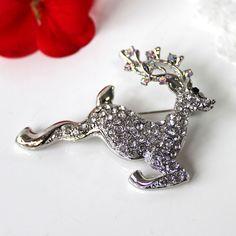 Brooch: Vintage Christmas Deer - Silver. £8.35