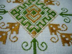 Lagartera tablecloth
