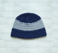 Two Tone Crochet Beanie for Men and Boys- Free Crochet Pattern Mens Crochet Beanie, Crochet Beanie Pattern, Crochet Patterns, Crochet Hats, Front Post Double Crochet, Half Double Crochet, Crochet Winter, Slip Stitch, Girl With Hat