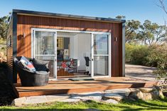 The Kamaroo makes for a perfect garden room that you can use as a spare guest room, rent out on airbnb, look after elderly relatives as a granny flat, or teenage retreat - endless options! Studio Shed, Home Studio, Outdoor Living Rooms, Living Spaces, Western Red Cedar, Front Elevation, Prefab, Cladding, Man Cave