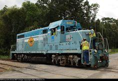 VR 2207   Description:    Photo Date:  9/16/2014  Location:  Valdosta, GA   Author:  Allan Williams Jr.  Categories:  Action  Locomotives:  VR 2207(GP7u)