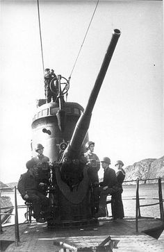 Soviet Northern fleet L-20, 100-mm gun B-24PL. Submarines had a large red star painted on the front of the main tower with an empty space inside and a number written on it. Every time a victory was added, the number had to be re-painted