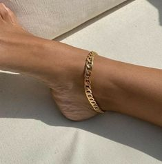 Cute Jewelry, Gold Jewelry, Jewelry Accessories, Fashion Accessories, Fashion Jewelry, Ankle Jewelry, Stylish Jewelry, Simple Jewelry, Jewelry Bracelets