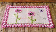 tapete em croche rosa com flores e borboletas em croche com receita
