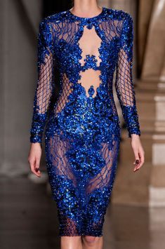 View all the detailed photos of the Julien Macdonald autumn (fall) / winter 2014 showing at London fashion week. Julien Macdonald, Couture Mode, Couture Fashion, Runway Fashion, London Fashion Weeks, Blue Fashion, High Fashion, Dressed To Kill, Couture Dresses