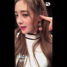 — [ 161108 : © m2 ]  Jieqiong Selfie MV @ Mcountdown ☆ — ❝#주결경 #IOI #아이오아이 #zhoujieqiong #jieqiong #zhou  #pledisgirlz #핑키 #Pinky  #결경 #ioipinky #周洁琼 #zhoujieqiong_kr ❞