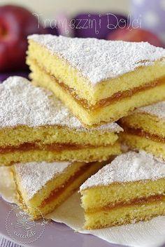 Menta e Cioccolato: Tramezzini Dolci con confettura, e la merenda è salva! Italian Desserts, Mini Desserts, Italian Recipes, Sweet Recipes, Cake Recipes, Dessert Recipes, Biscuit Dessert Recipe, Pie Crust Designs, Brownie Cake