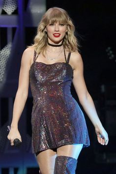 Taylor Swift – Performs at iHeartRadio's Jingle Ball 2019 in New York Taylor Swift Outfits, Taylor Swift Hot, Live Taylor, Taylor Swift Style, Taylor Swift Dancing, Taylor Swift News, Katy Perry, Miss Americana, Taylor Swift Wallpaper