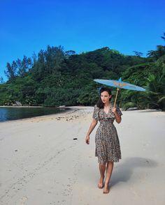 Idda van Munster - Incredible nature of Seychelles islands 🌴 1920s Aesthetic, Retro Fashion, Vintage Fashion, Idda Van Munster, Glamour, Vintage Models, Pin Up Style, Diy Clothing, Pin Up Girls