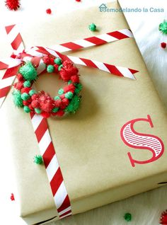 Gift wrapping - ornaments