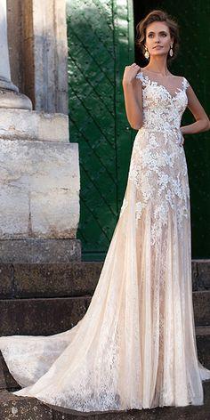 Fabulous Tulle Bateau Neckline Sheath Wedding Dresses With Lace Appliques