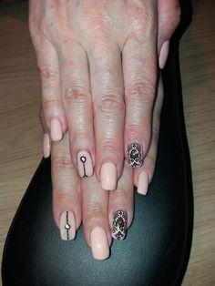 nude mandala nails with acrygel