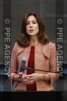 The Danish Crown Princess sported the bold outfit in Copenhagen on Thursday, where she gave a speech at a conference for social exclusion for the Mary Foundation. Princesa Mary, French President Wife, Social Exclusion, Prince Héritier, Princess Marie Of Denmark, Danish Royalty, Middle Aged Women, Danish Royal Family, Royals