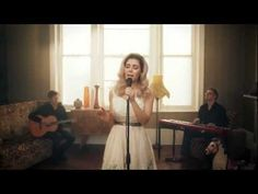♡ LIES ♡ [Acoustic] | MARINA AND THE DIAMONDS. IN LOVEEE :) The acoustic version is gorgeous. love her!!!!