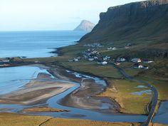 Nes - Hvalba, Faroe Islands (by Erik Christensen)