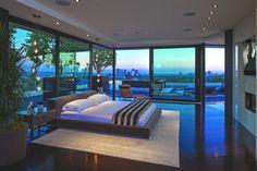 Спальня особняка Laurel Way от Whipple Russell Architects в Калифорнии