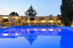 Narges || Located in Aliki, Narges is a 4-star hotel featuring a large swimming pool with a stylish poolside bar and a traditional restaurant. Its Cycladic-style accommodation enjoys free Wi-Fi access.