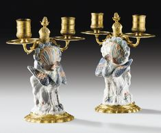 A PAIR OF GILBRONZE MOUNTED JAPANESE ARITA PORCELAIN, LATE 17TH / EARLY 18TH CENTURY, THE MOUNTS LOUIS XIV