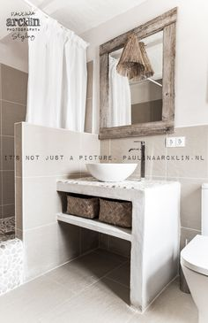 made with lots of passion* - beachhouse interior design: Carde Reimerdes photo: Paulina Arcklin Beach Bathrooms, Laundry In Bathroom, Small Bathroom, Neutral Bathroom, Dream Bathrooms, Master Bathroom, Bathroom Vintage, Bathroom Layout, Bathroom Interior Design