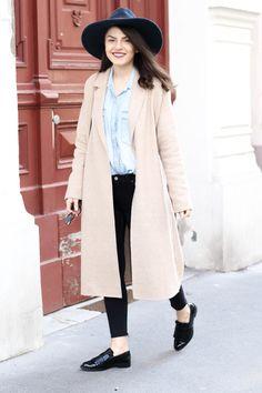 Denim Shirt | Cropped Skinny Jeans | Big Hat | Gucci Disco Soho Bag | Fendi Iridia Sunglasses | Fashionnes