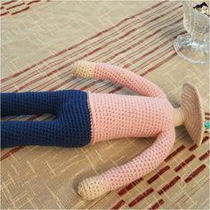 Örgü Oyuncak Hilal Bebek Tarifi Crochet Amigurumi Free Patterns, Baby Knitting Patterns, Crochet Baby, Free Crochet, Amigurumi Doll, Stuffed Toys Patterns, Knitting Socks, Crochet Designs, Cushion