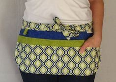 This utility apron is perfect for teachers, nurses, crafters, moms, bakers, farmers, hairdressers, anyone who has a lot of items to carry around