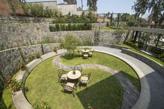 Architects has transformed a defunct cockfighting arena near Lima, Peru, into a vibrant outdoor meeting and meditation space. Garden Furniture Design, Garden Design, Sunken Garden, Garden Park, Memorial Park, Garden Architecture, Contemporary Garden, Plant Design, Garden Inspiration