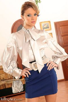 Blouse Dress, Dress Skirt, Ruffle Blouse, Classy Outfits, Cute Outfits, Sexy Bluse, Suits For Women, Clothes For Women, Satin Bluse