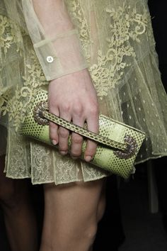 Valentino---I have to say i've seen this green lace coming from a mile away.look out for lace in anything from olive to neon! Armani Prive, Glamorous Chic Life, Green Clutches, Dior, Green Lace, Lush Green, Green Fashion, Shades Of Green, Fashion Details