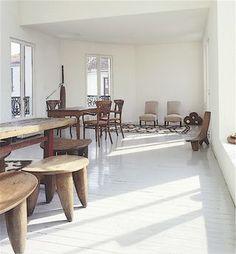 Li Edelkoort's apartment in Paris. #africanstools...
