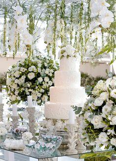 Decoração com ar contemporâneo para casamento em Ilhabela - Constance Zahn   Casamentos
