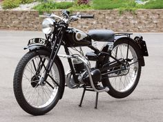 The Flying Flea, the Royal Enfield RE125 was a two-stroke single that was very important to the British military during World War II. (Story and photos by Philip Koenen. Motorcycle Classics — November/December 2012)