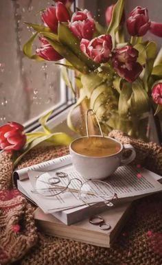 Good Morning Gift, Good Morning Coffee Gif, Good Morning Beautiful Flowers, Good Morning Images Flowers, Good Morning Roses, Good Morning Picture, Good Morning Greetings, Morning Pictures, Coffee Time