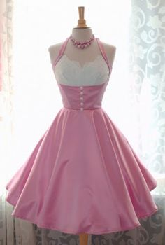 So, so sweet, and would love to have one like this today to wear. :)