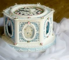 CLOCK CAKE by Donatella Squires Kitchen Competition 2014 class 2 Royal Iced Cake Gold and First Prize