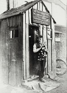 "Caption: ""Lock-keeper and his hut at St Pancras Lock on the Regent's Canal"""