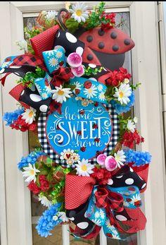 Wreath Tutorial, Deco Mesh Wreaths, Summer Wreath, Grape Vines, Flower Arrangements, Seasons, Spring, Floral, Flowers