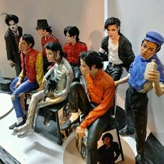 Michael Jackson statues by Selmo Wander Michael Jackson Figure, Michael Jackson Pics, Michael Jackson Christmas, Michael Jackson Photoshoot, Michael Jackson Costume, Michael Jackson Merchandise, Michael Jackson Wallpaper, Jackson's Art, Paris Jackson