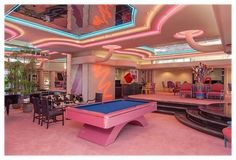 Interior 1980, 80s Interior Design, Mansion Interior, Diy Interior, Mansion Bedroom, Pastel Interior, Interior Colors, Luxury Interior, Retro Home Decor