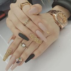 It's important to maintain the fashion and popularity of nails. In order to achieve your style in this spring, there is no better choice than coffin nails. Coffin nails can be short or long. Long coffin nails are bold and fashionable. The coffin nail Cute Nails, Pretty Nails, My Nails, Diva Nails, Coffin Nails Long, Long Nails, Stiletto Nails, Short Nails, Coffin Nails Glitter