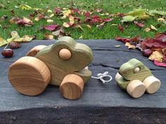 Big Toy Wooden Frog Pull Along Toy Kids gift Baby gift
