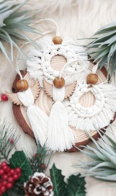 Best 12 This set of natural cotton boho ornaments look perfect on the Christmas tree grouped with wooden ornaments and fairy lights. Each piece is carefully made by hand to give your living space an elegant boho feel at Christmas time. Adding cotton t Christmas Baubles, Christmas Tree Ornaments, Christmas Lights, Christmas Time, Wooden Ornaments, Diy Ornaments, Scandi Christmas Decorations, Tree Decorations, Bohemian Christmas